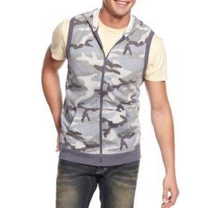 Bar III   Zip Front Camo Hoodie Vest sz Large
